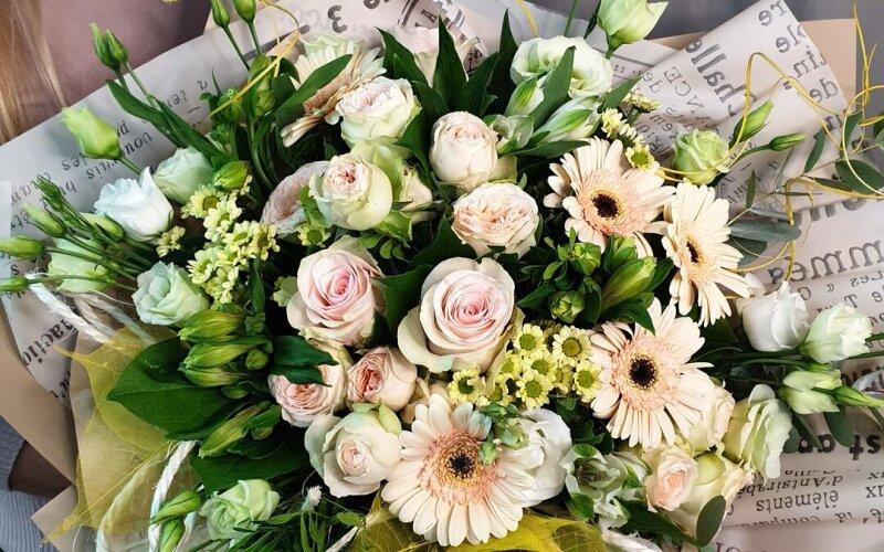 Букет цветов «Крем де ля крем»