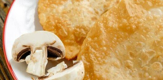 Чебурек с картофелем и грибами