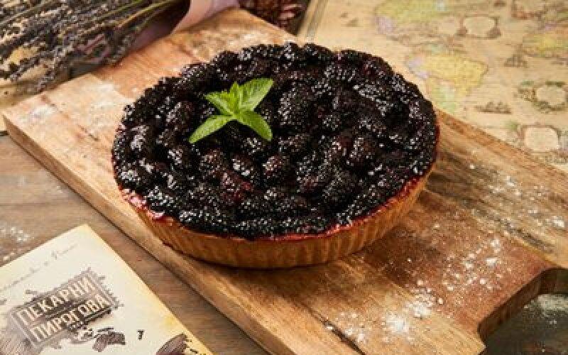 Венский пирог с ежевикой