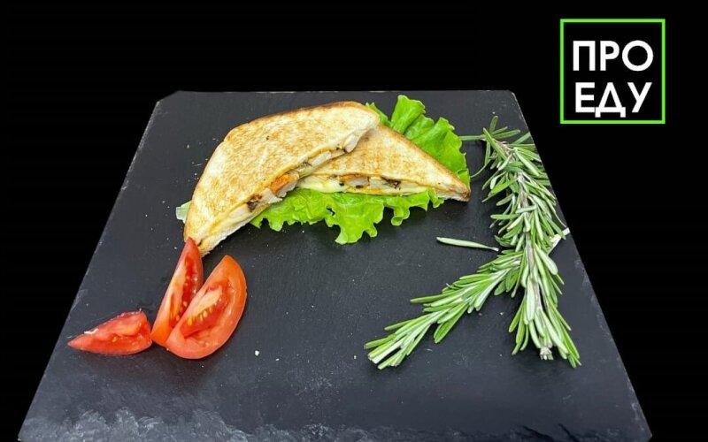 Сэндвич «Курица-сыр»