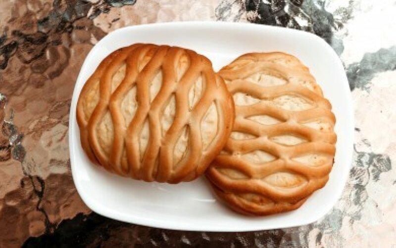 Мини-пирог с творогом и грушей