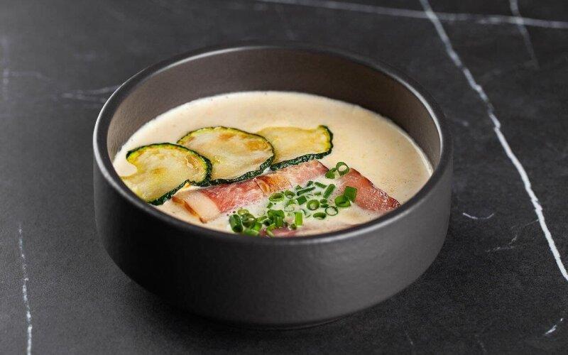 Крем-суп из цукини с беконом