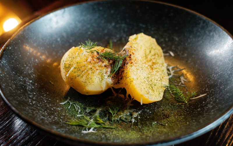 Картофель с чесноком и сыром «Моцарелла»