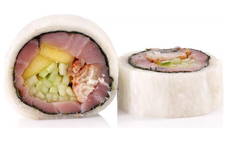 Ролл-сашими в дайконе с тунцом