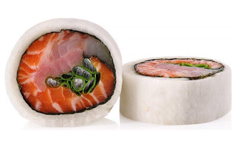 Ролл-сашими в дайконе с сибасом