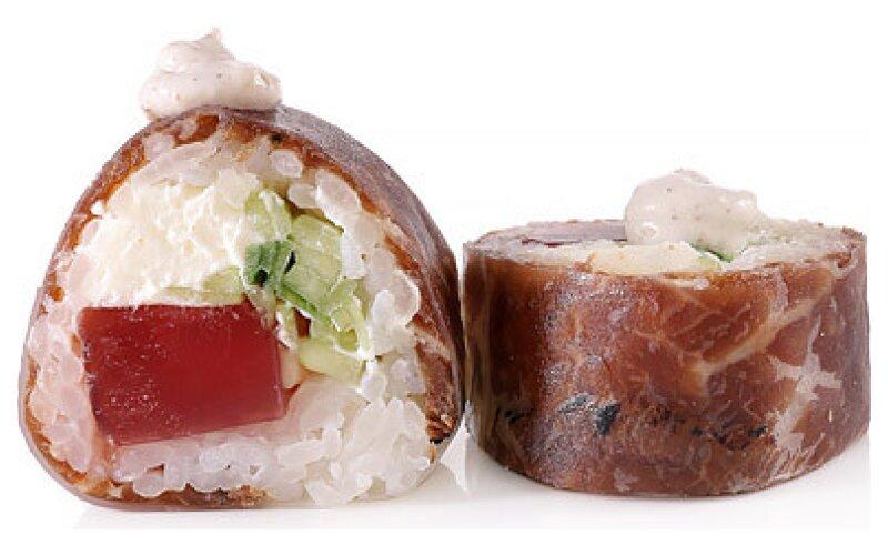 Ролл с говядиной и трюфельным майо