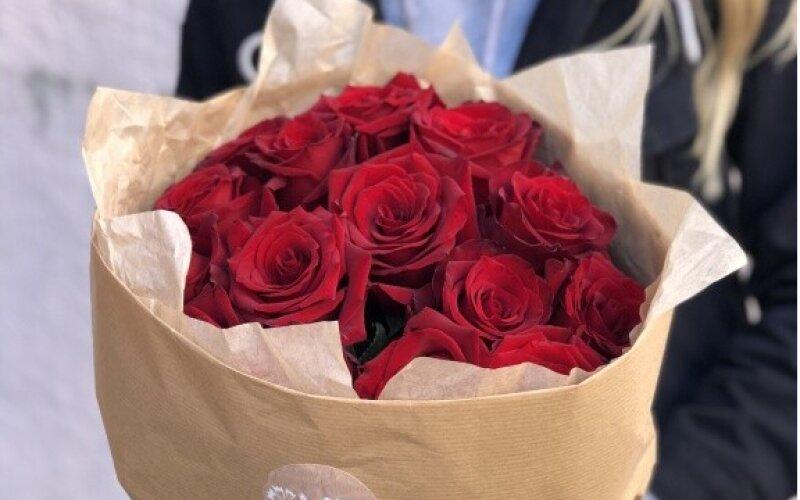 15 красных роз крафт