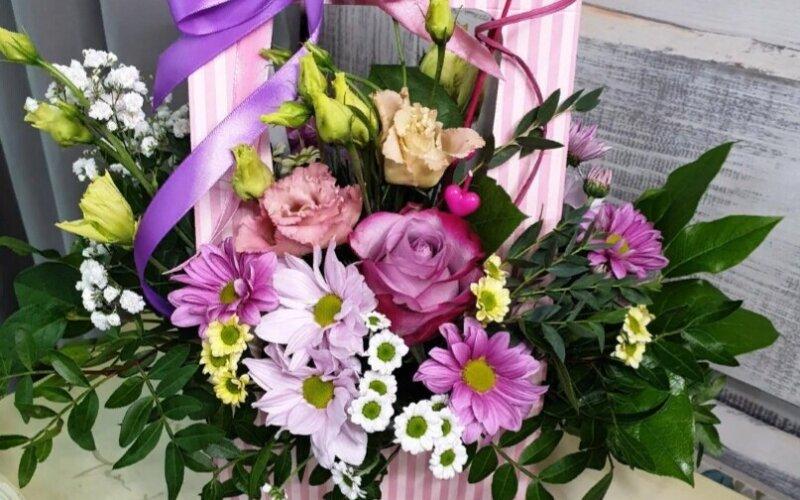 Цветочная коробка «Ягодный микс»