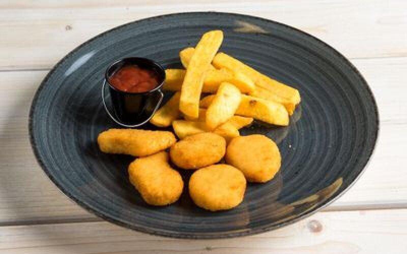 Куриные наггетсы с бельгийским картофелем