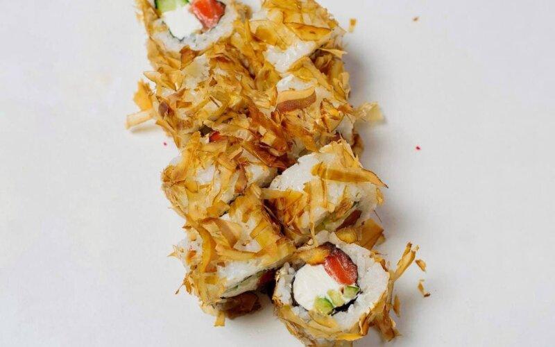 Ролл «Бонито» с лососем