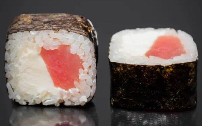 Ролл с тунцом и сыром