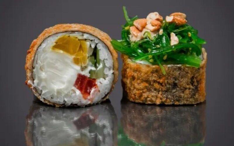 Ролл «Темпура с овощами и кешью»