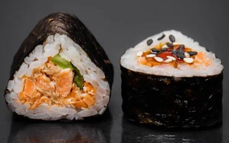 Мини-ролл с лососем терияки