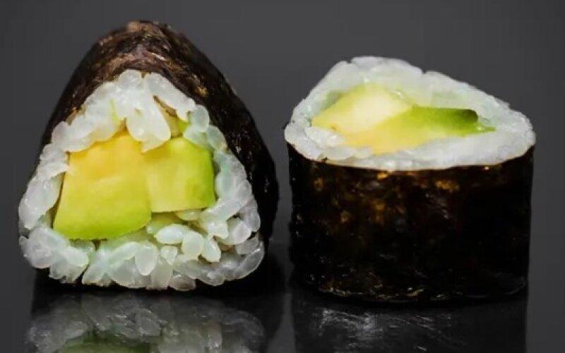 Мини-ролл с авокадо